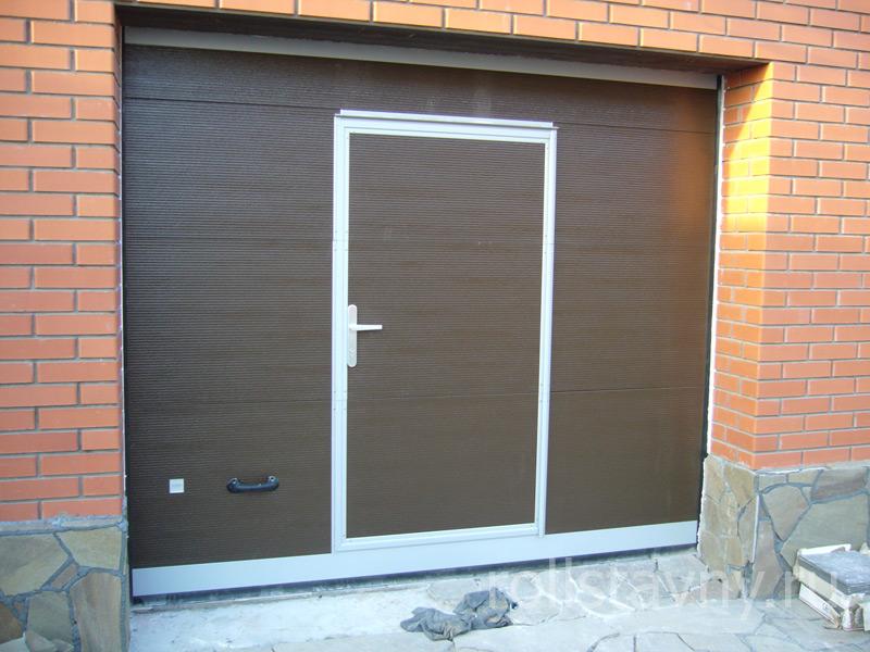 автоматические ворота со встроенной дверью